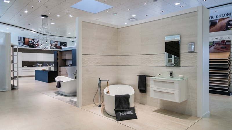 Nouveau showroom toulousain pour le groupe porcelanosa for Showroom salle de bain carrelage